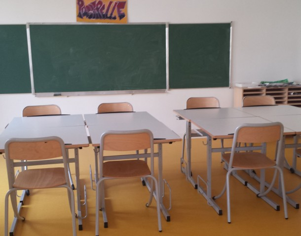 Tables scolaire mobilier wlc concept for Tel meubles concept