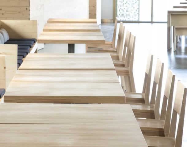 IESU Chaises et tables